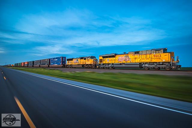 Southbound UP Intermodal Train at Bernie, MO