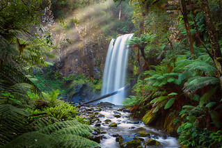 Sunrays above Hopetoun Falls
