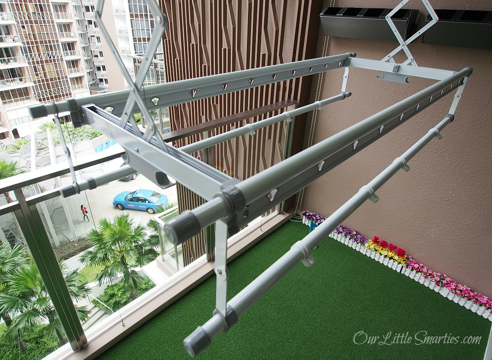 Foldable clothes rack singapore