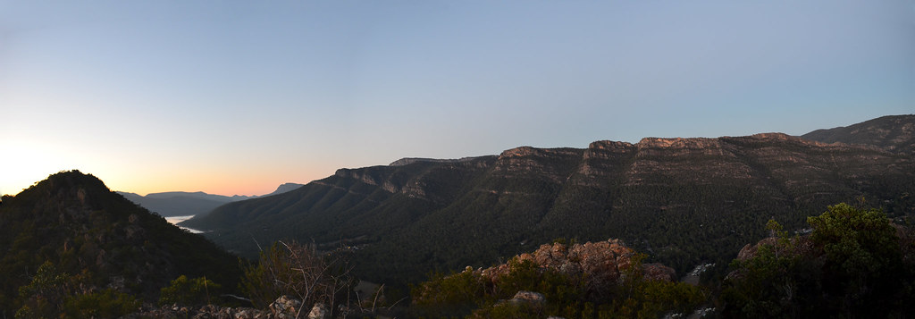 Grampians Sunrise Walk - Boronia Peak - Halls Gap