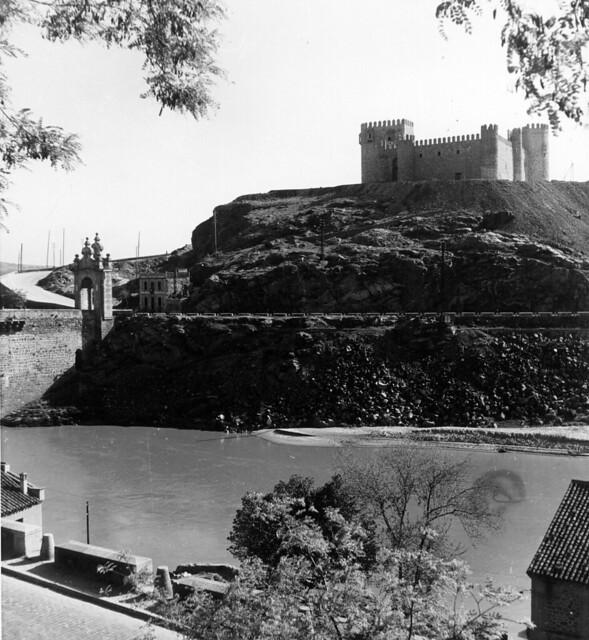 Castillo de San Servando en 1952. Fotografía de Erika Groth-Schmachtenberger © Universitätsbibliothek Augsburg