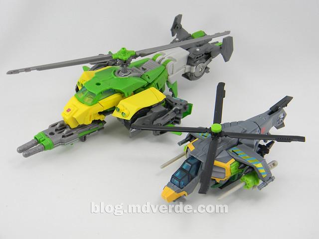 Transformers Springer Voyager - Generations - modo helicóptero vs Deluxe