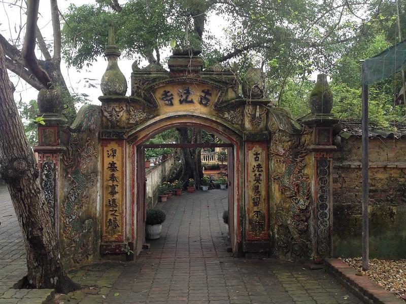 Co Phap Pagoda (2)
