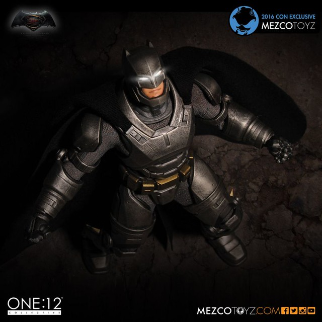MEZCO – ONE:12 COLLECTIVE 系列【重裝蝙蝠俠】Armored Batman 2016 展覽限定