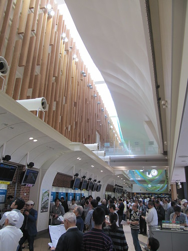 函館競馬場の2階馬券売り場パドック側