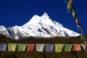 Nepal Trekking-Reise rund um den Manaslu. Manaslu aus dem Buri Gandaki. Foto: Christine Theodorovics.