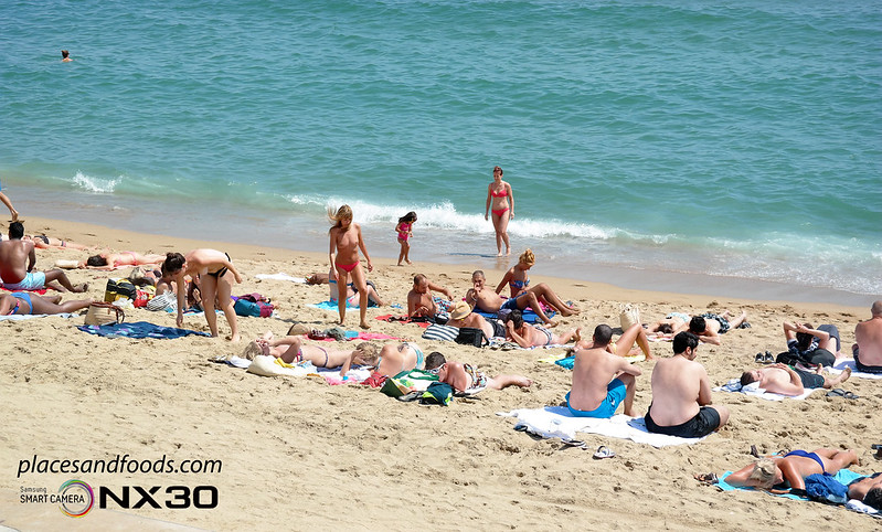 barcelona Playa de Sant Sebastià Beach pretty girls sunbathing nude
