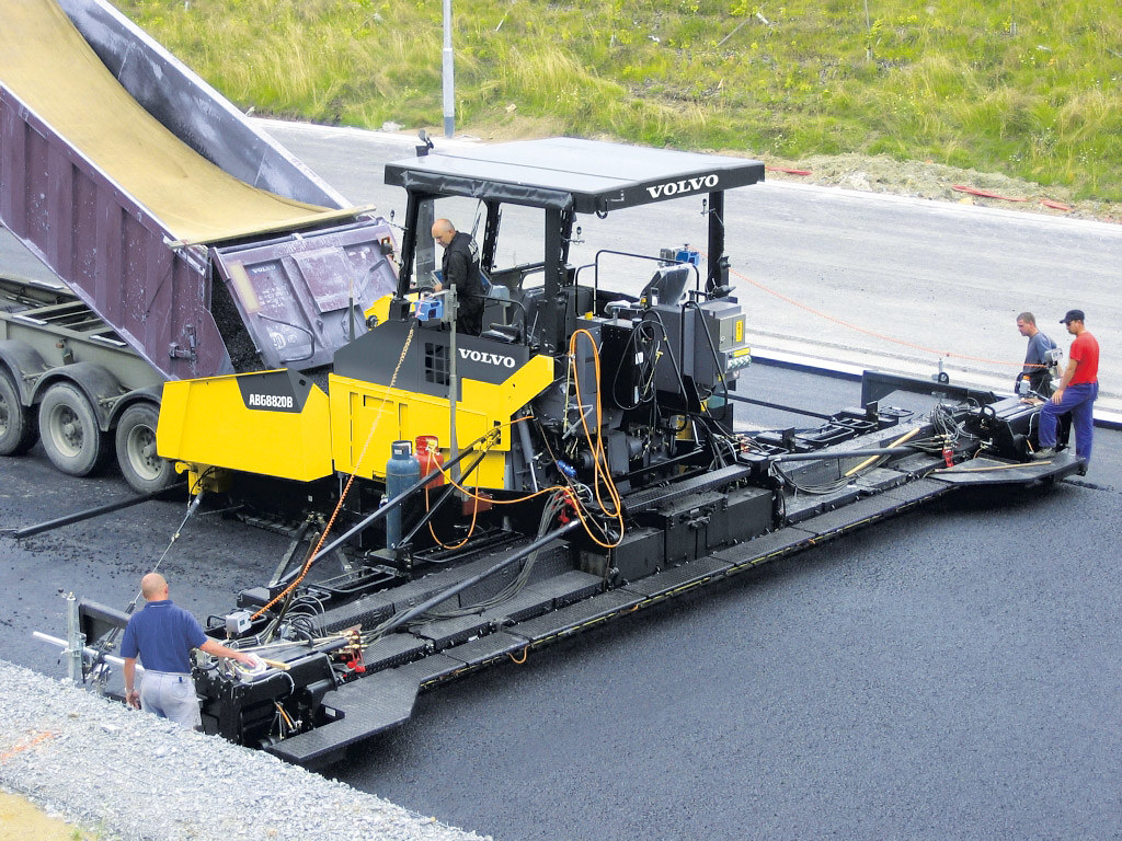 Асфальтоукладчик Volvo ABG8820