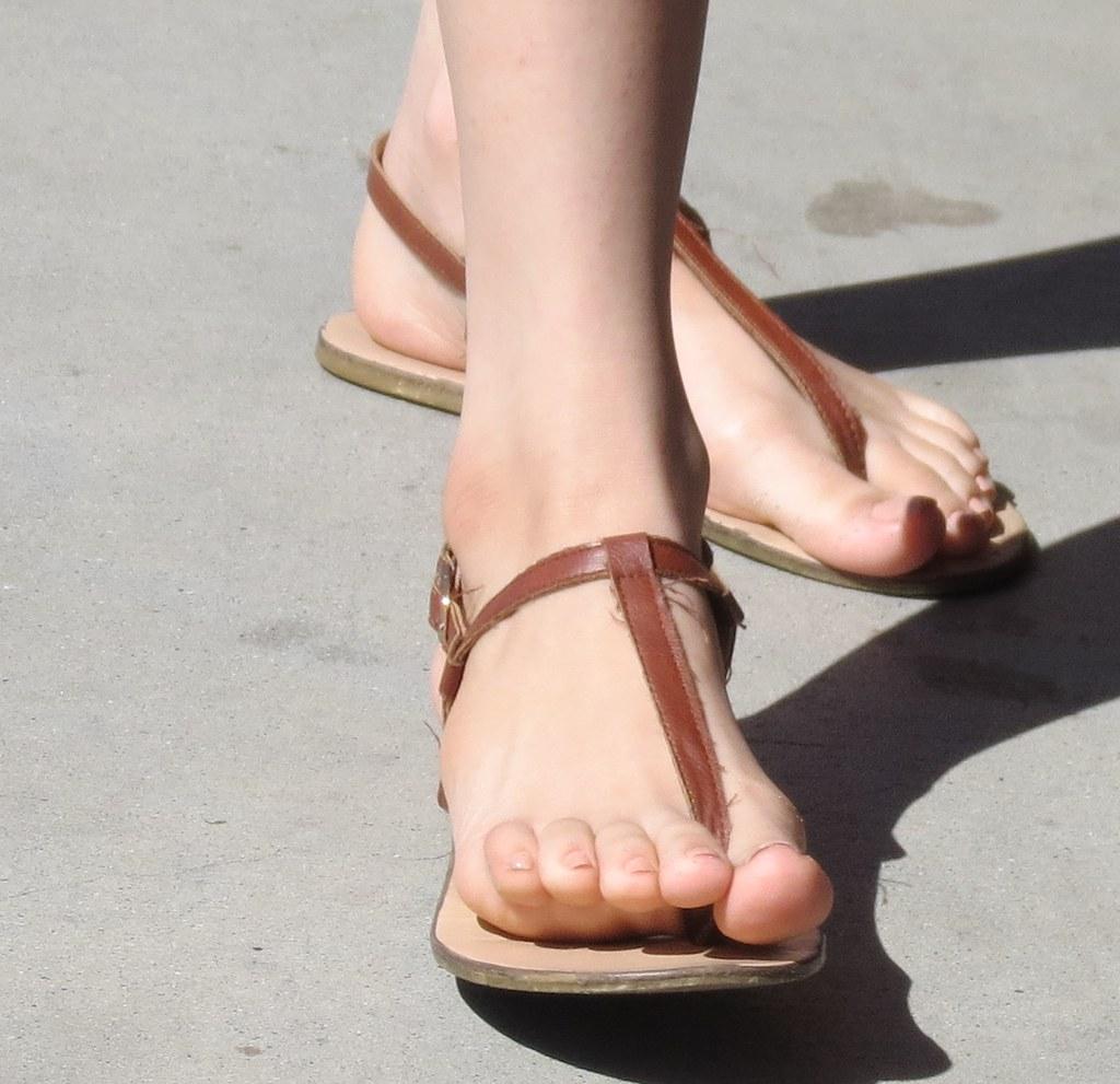 Asian candid feet