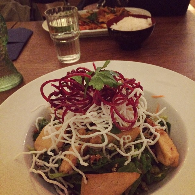 Fantastiskt vacker och otroligt god avokadosallad med tofu på Helens sushi vid Hornstull. #vadveganeräter