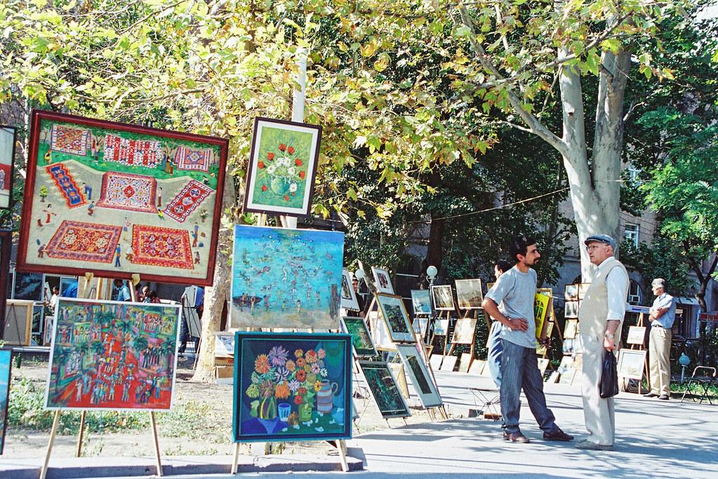 Arménie - Tomber sous le charme - Le marché aux peintres