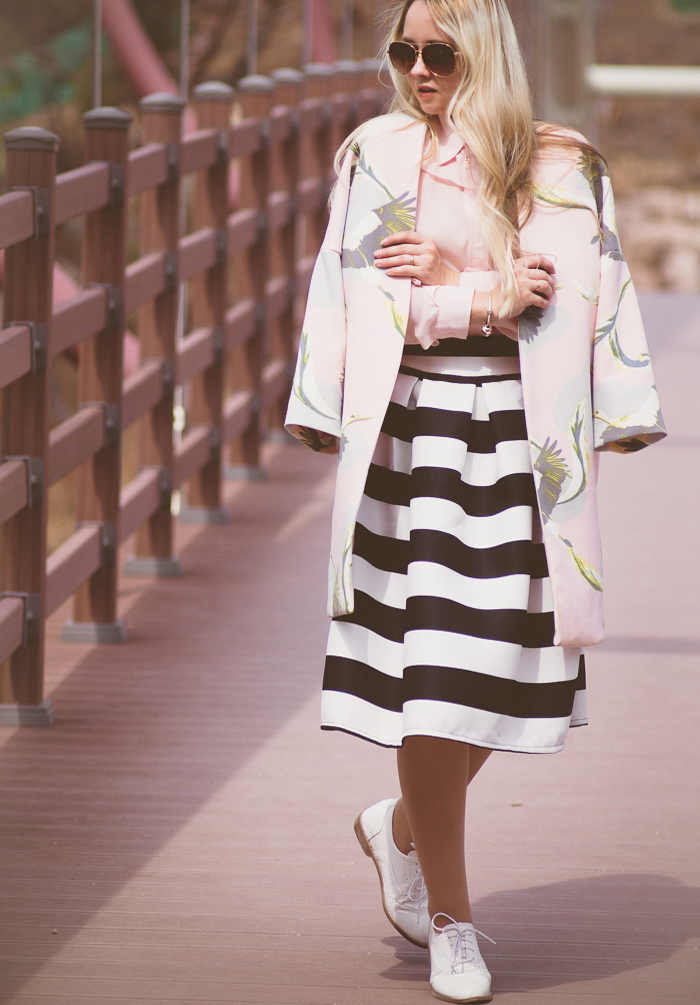 Olga choi fashion blogger myblondegal South Korea elegant smart chic H&M crane print coat Romwe stripe full skirt Enzo Angiolini oxford shoes-09839 copy