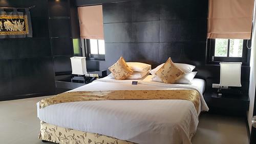 เตียงนอนในห้องพักที่ Karon Horizon Beach Resort and Spa