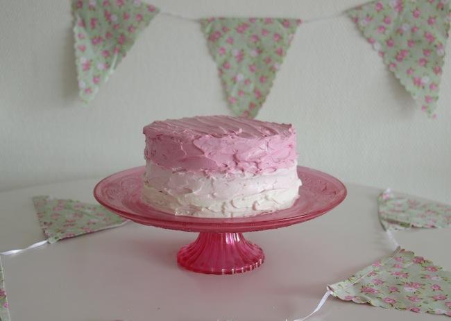 Piñata_cake_aux_smarties_24