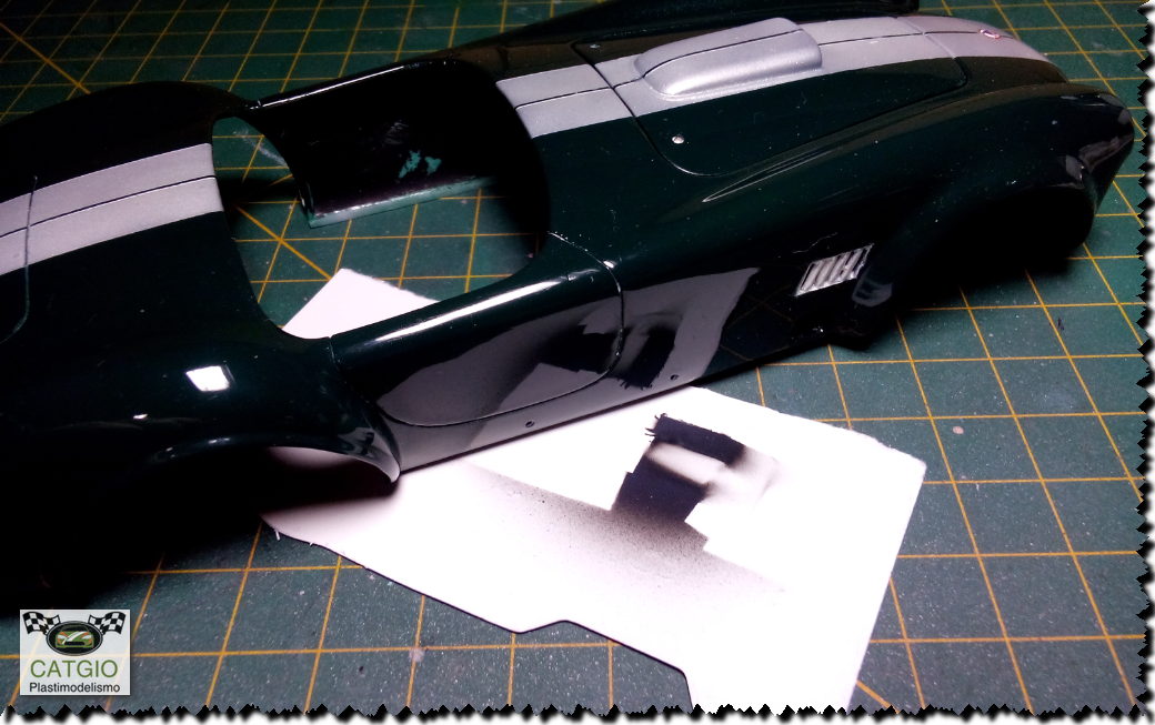 Shelby Cobra S/C - Revell - 01/24 - Finalizado 24/04 - Página 2 16999846267_7762fa1b3b_o