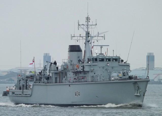 HMS Middleton M34 (6) @ Gallions Reach 24-04-15