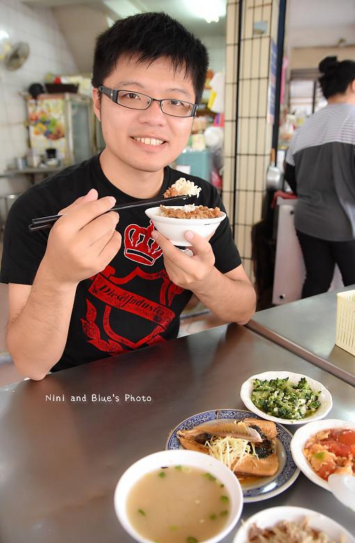 高雄市場開封街小吃郭肉燥飯12