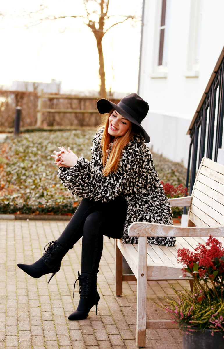 you can leave your hat on, fashion is a party, fashion blogger, loop-knit cardigan, scuba ankle boots, zwarte enkellaarzen, wollen hoed, zwarte hoed, alexander wang x h&m, isabel marant x h&m, winter 2015, winter outfit, dik vest, dikke vesten, fashion is a party outfits