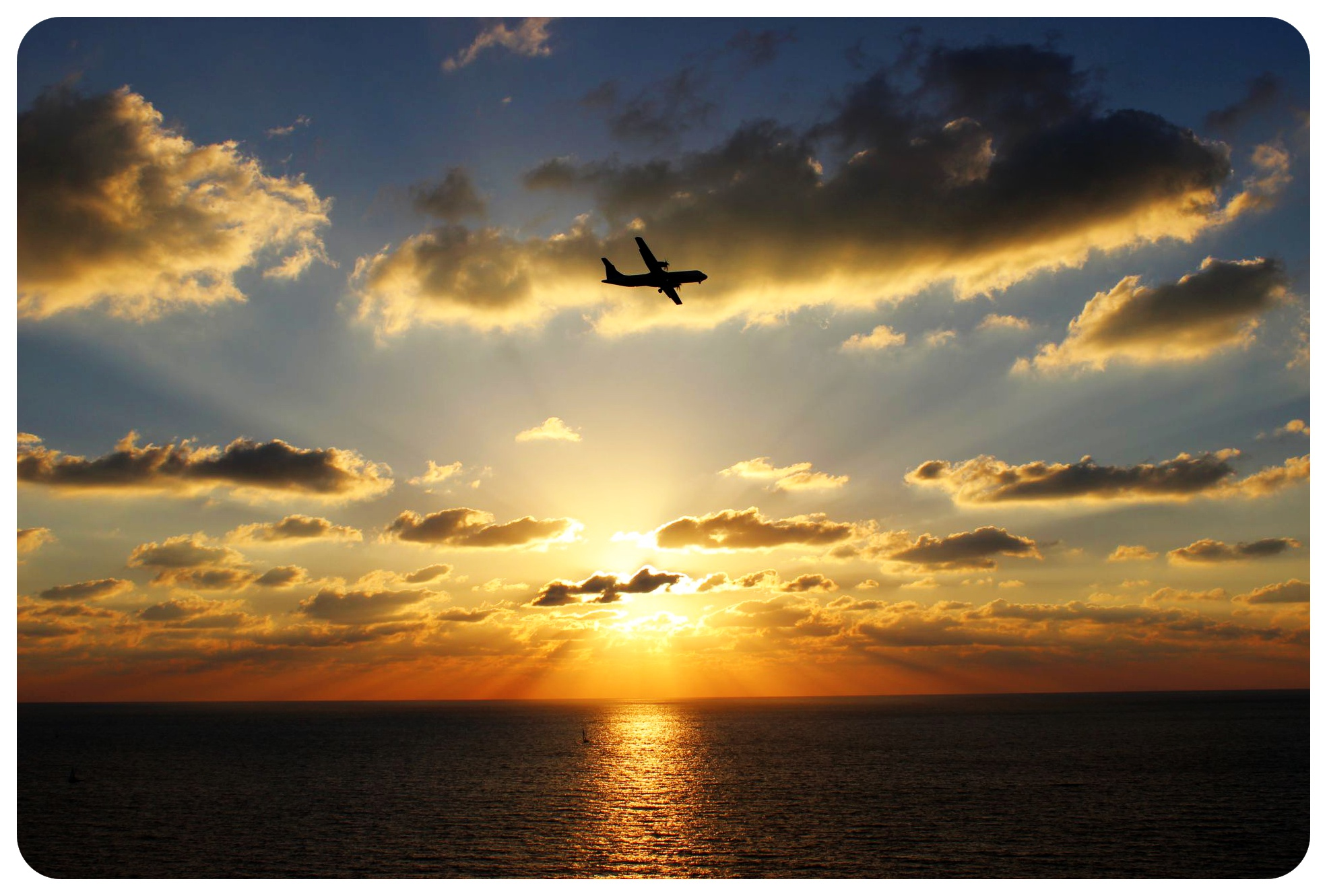 tel aviv sunset with plane