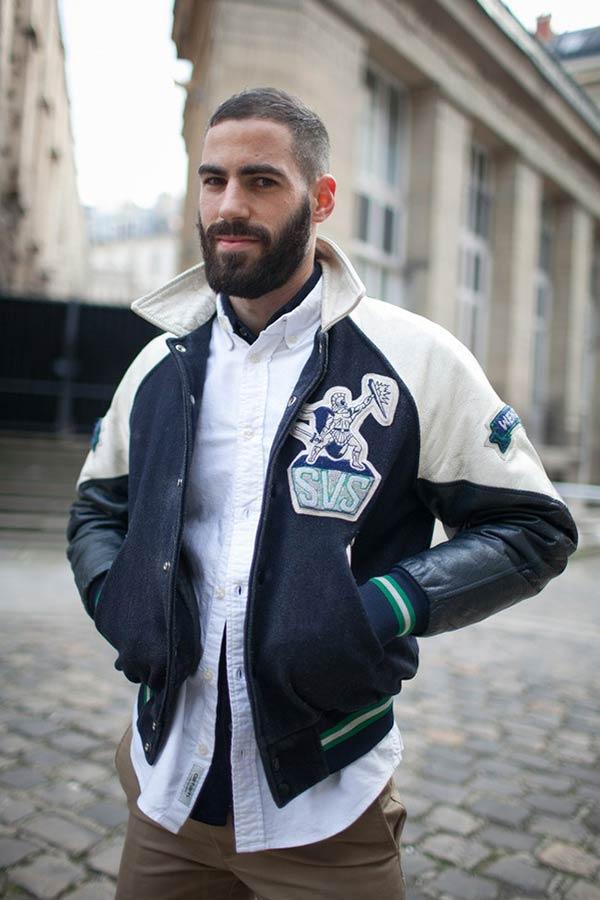 ネイビー×白スタジャンに白オックスフォードシャツ