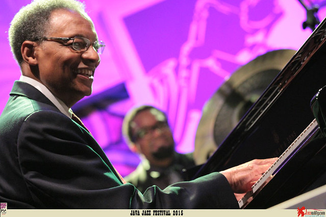 Java Jazz Festival 2015 Day 3 - Ramsey Lewis