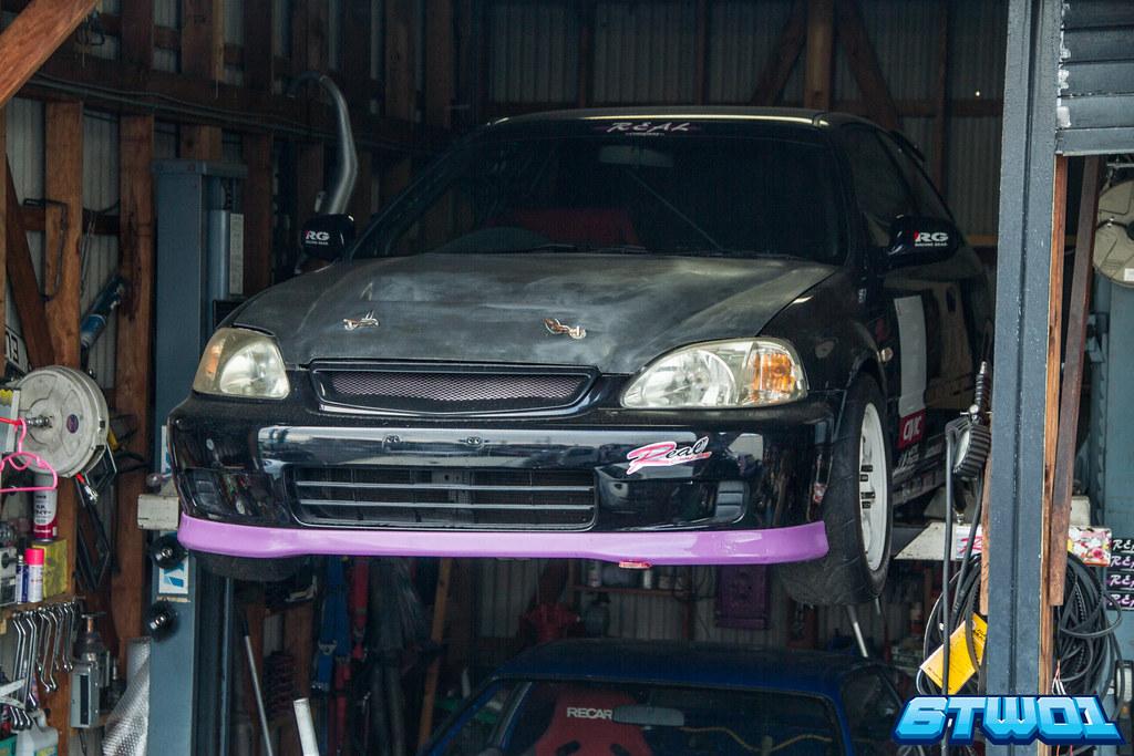 black car purple rim
