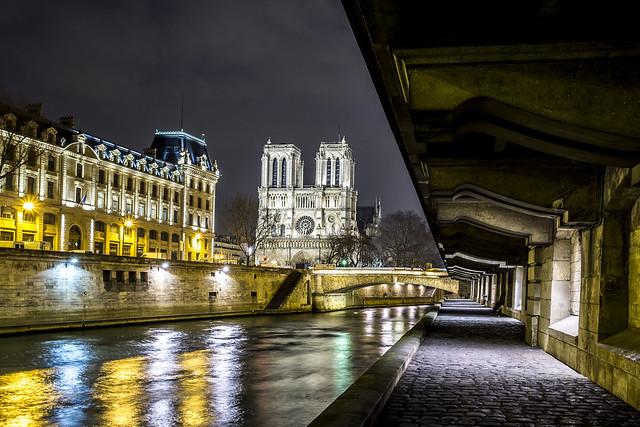 Paris, Notre-Dame, sous les quais