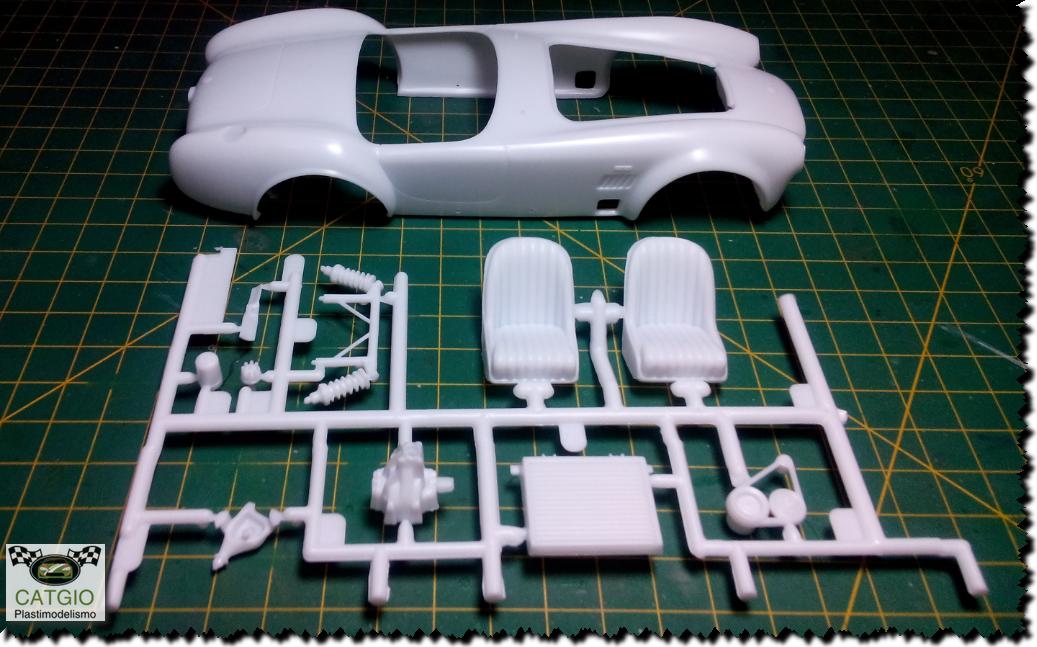 Shelby Cobra S/C - Revell - 01/24 - Finalizado 24/04 16826498828_75a057a31e_o