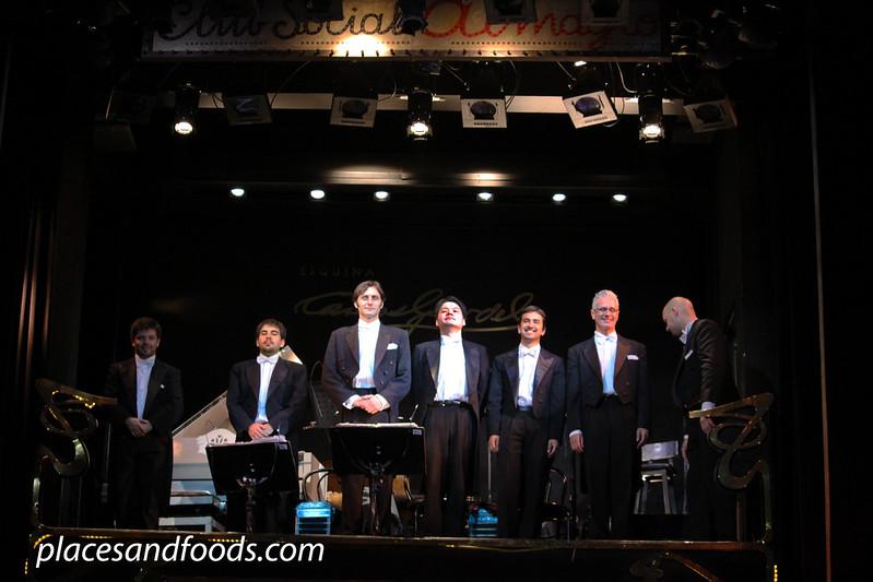Esquina Carlos Gardel seven piece band