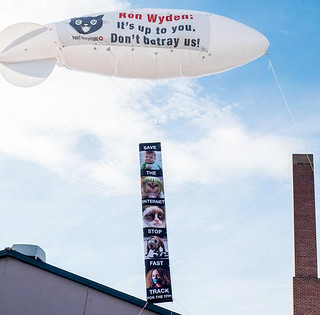 04b_Wyden_Blimp_Oregon