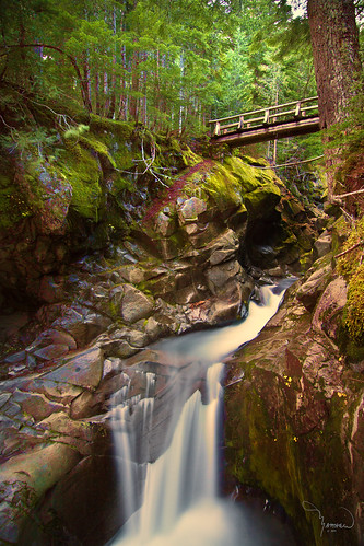 longexposure bridge water creek canon landscape waterfall tokina trail le washingtonstate pnw mtrainiernationalpark t4i vantrumpcreek cometfallstrail 1riverat matthewreichel