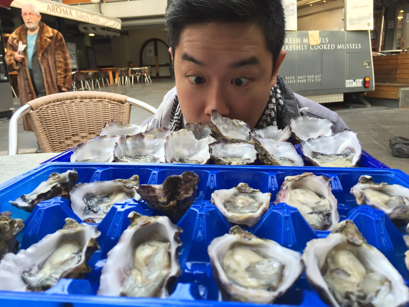 $1 oyster at prahran market