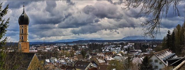 Aprilwetter über Wolfratshausen