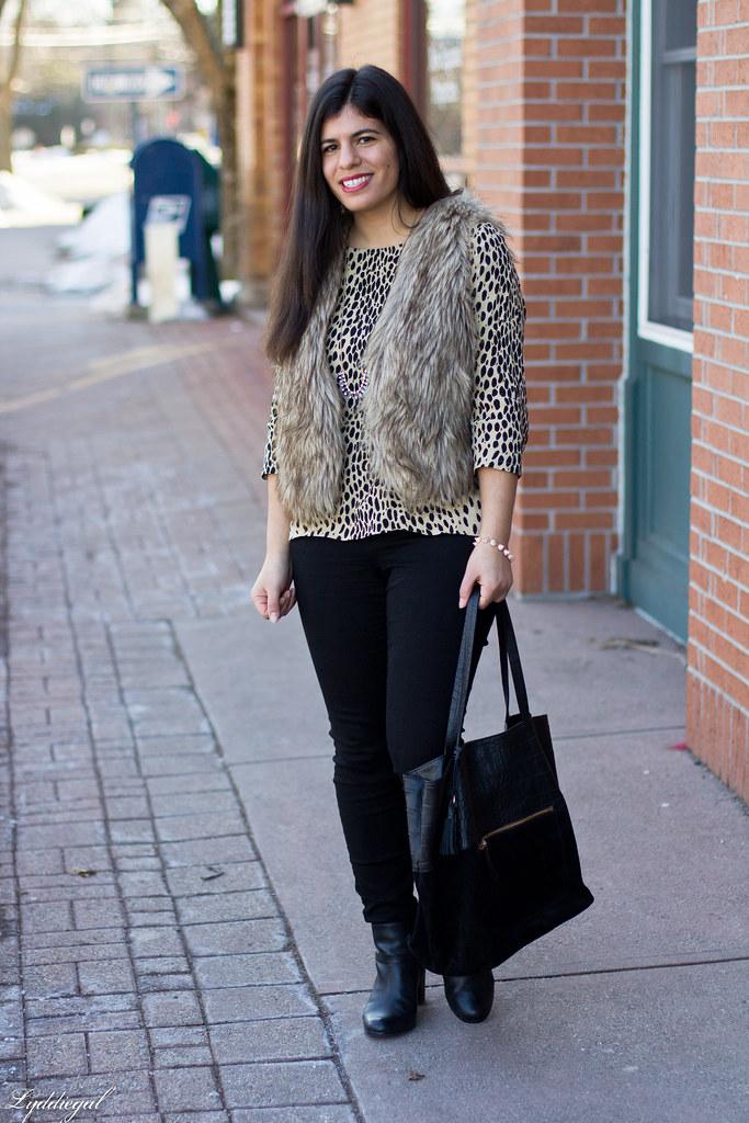 leopard tunic, fur vest, black jeans-1.jpg