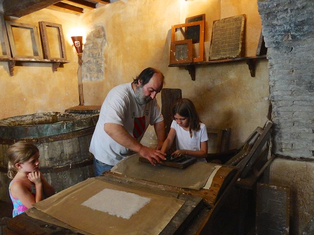 paper-making-bevagna-umbria-cr-brian-dore