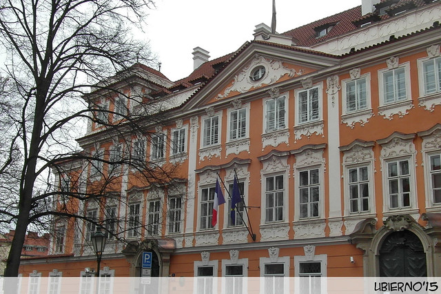 Buquoyský palác - French Embassy