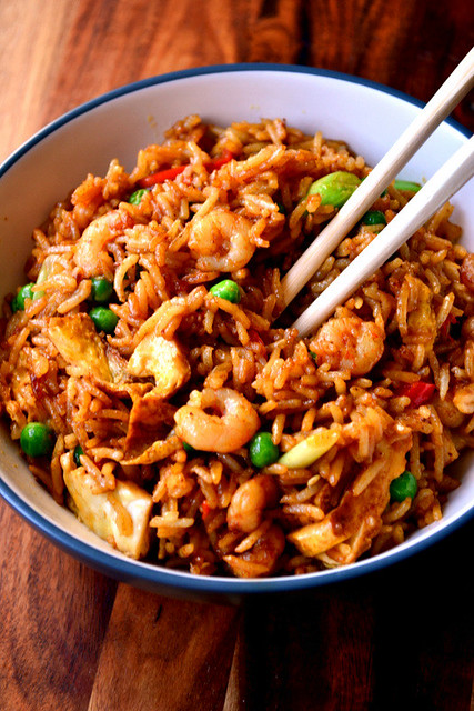 Spicy singapore fried rice recipe frugalfeeding singapore fried rice forumfinder Choice Image