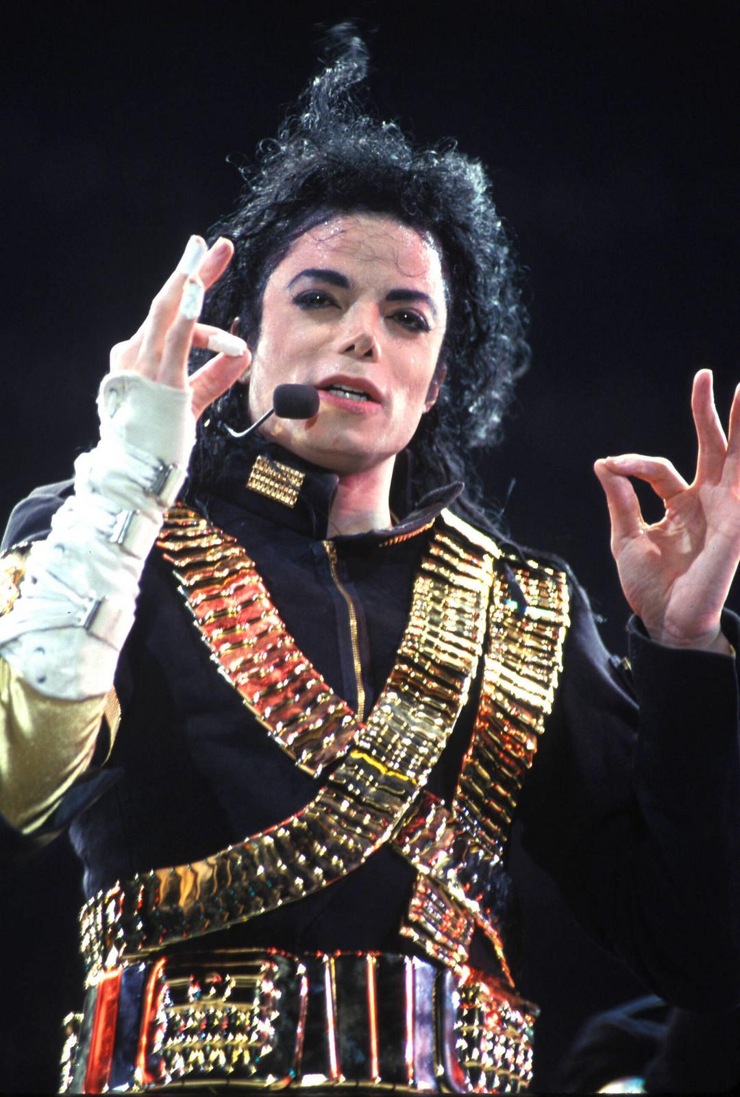 Незабываемый образ Майкла Джексона