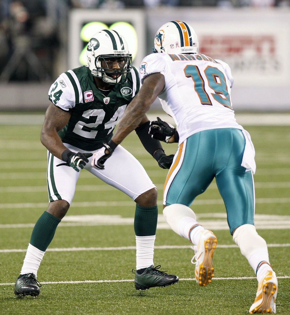 Jets score big with Darrelle Revis reunion - USA TODAY