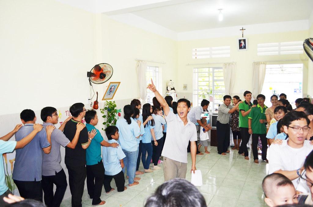 Thỉnh Viện Thực Hiện Công Tác Bác Ái Mùa Chay 2015