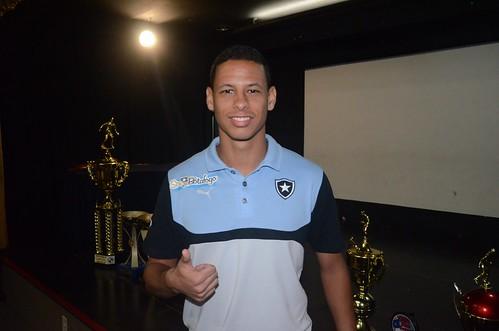 Botafogo retoma parceria com a Cadsa de Espana