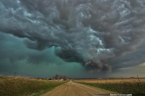 road sky green field clouds evening threatening stormy iowa farmland shelf dirt thunderstorm storms gravel severe muscatine tornadic april9 2015 april9th kevinpalmer rampingup pentaxk5 samyang10mmf28