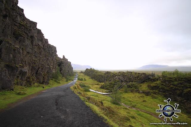 ISLANDIA - Thingvellir,  Þingvellir - Almannagjá