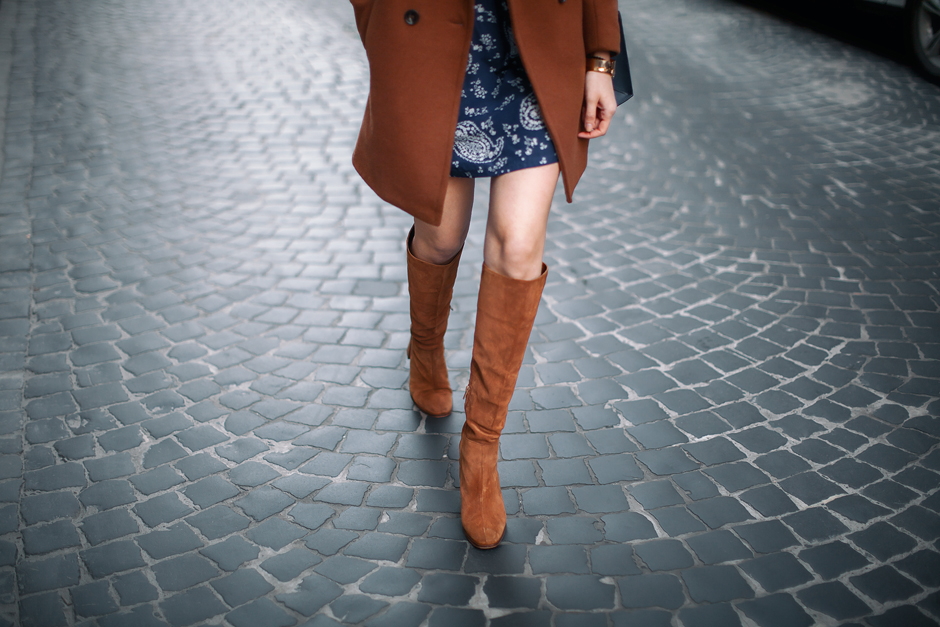 how-to-wear-brown-suede-boots-outfit-ideas-blogger-streetstyle