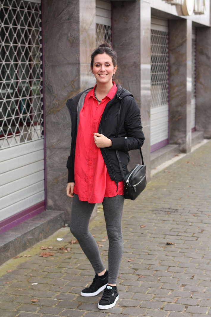 Outfit: athletic casual in silk and Pumas