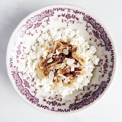 Cottage cheese with dried figs and almond flakes