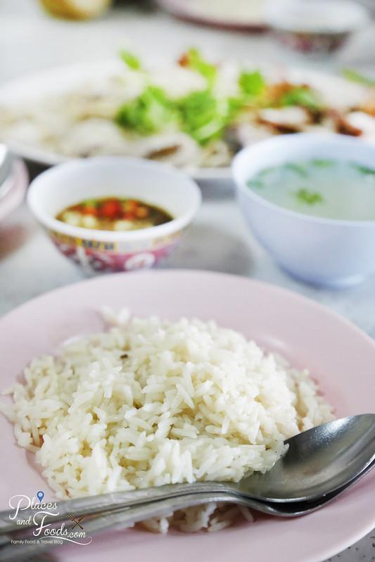 kolok chicken rice fragrant rice