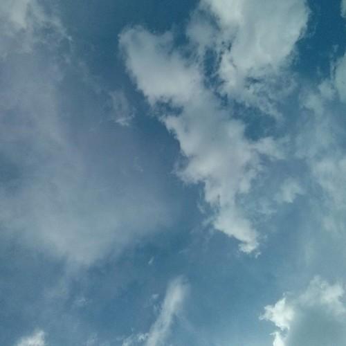 Above Church and Maitland #toronto #churchandwellesley #churchstreet #blue #sky #clouds