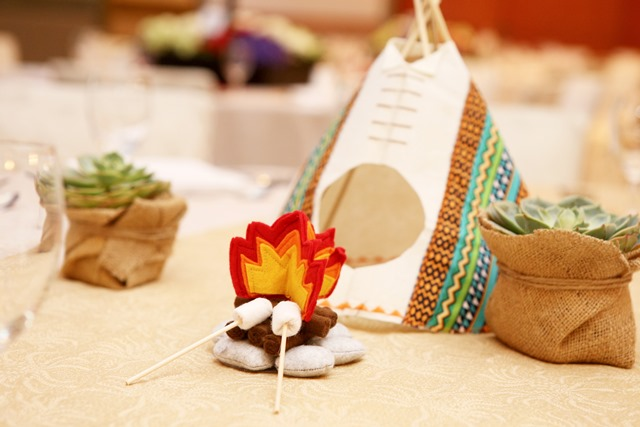 Indian-themed centerpieces