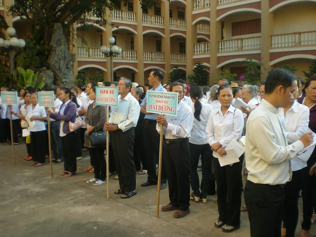 Huynh Đoàn Thánh Thể Giáo Phận Hành Hương Tại Tòa Giám Mục Xuân Lộc